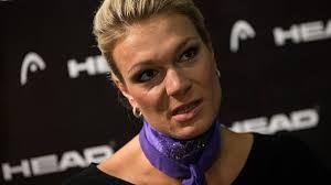 Maria Höfl-Riesch veröffentlicht Hass-Mail auf ihrer Homepage. Ski-Star Maria. Ski-Star Maria Höfl-Riesch reagiert öffentlich auf eine unschöne Mail. - ski-star-maria-hoefl-riesch-reagiert-oeffentlich-auf-eine-unschoene-mail-