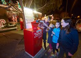 Image Photography The Mercury News Christmas Done Bright In Willow Glen