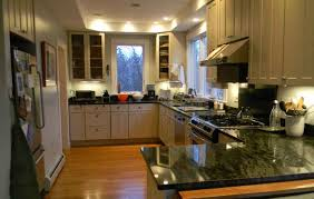 paint color for kitchen with green granite