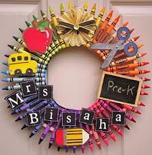 can t think of a gift for your child s teacher try this unique diy teacher wreath