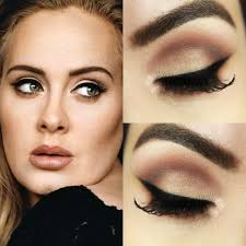 adele s makeup artist shows you the way to do her signature eyeliner flick