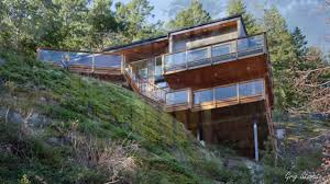 Steep Hillside Home Designs Unique Houses On Sloping Ground Hillside Homes In 2020
