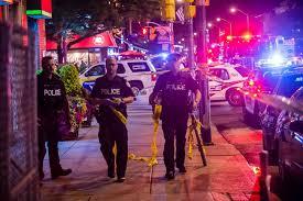 كندا - مقتل مسلح اطلق النار وسط تورنتو واصاب 14 شخصا