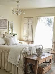 Bedroom: Pink Retro Bedroom With Vintage Decor - Vintage Bedroom