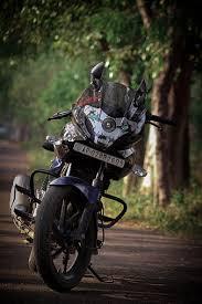 bajaj pulsar 220 motorcycle stunt