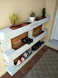 furniture idea. Love This Recycled Pallet Idea! Would Work Great In My Garage For Dirty Boots Furniture Idea