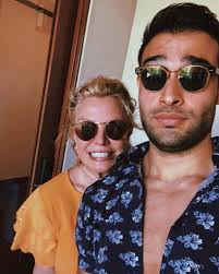 Here they break down how to do each move and why this can be beneficial for you and your significant other. Britney Spears Boyfriend Sam Has Zero Respect For Her Dad Jamie In Fiery Rant Worldnewsera