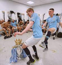Premier League trophy dance party 😂🕺🏼 // ? | Manchester city football  club, Manchester city logo, Soccer inspiration