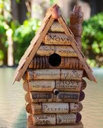 diy winecork birdhouse