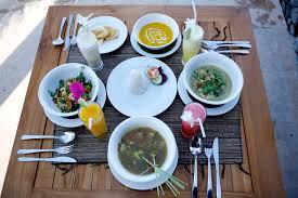 rinjani lodge restaurant table setting rinjani senaru the danny meyer table full size