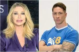 Doppietta di Fernando Torres, ma è Ferran: la gaffe di Paola Ferrari  diventa virale