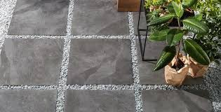 Wie oft sie ihren fussboden reinigen müssen hängt ganz von ihren lebensumständen ab! Terrassenplatten Reinigen Wichtige Tipps Und Tricks Kemmler De