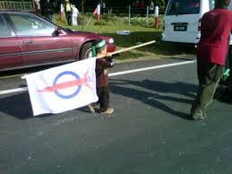 Image result for Gambar budak cina bawa bendera pas