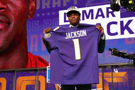 Lamar Jackson Agrees to Rookie Contract ...