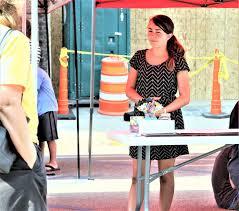 Children join vendors on Art Street | News | ottumwacourier.com