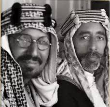 العراق | صورة نادرة للملك عبدالعزيز وهو في الخمسينيات من العمر مع ملك العراق - الملك_عبدالعزيز