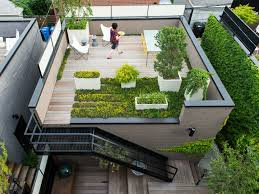 Stunning Home Design With Creative Roof Garden Plus Table Feat Yellow Chair  In The Nearby Including Stone Wall Decor: Contemporary Green House With  Rooftop ...