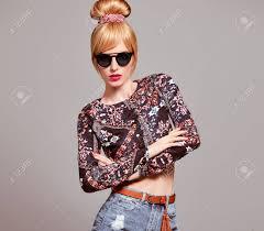 ファッショングラマー サングラススタイリッシュなヘアスタイルは