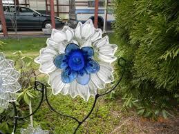 Idee Per Abbellire Il Giardino : L arte del riciclo tante idee originali per decorare il vostro