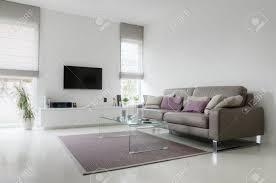 Wohnzimmer Couch Wohnzimmer Couch Lizenzfreie Vektorgrafiken Kaufen 123rf