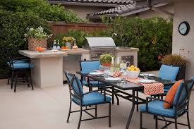 outdoor kitchen with oven design