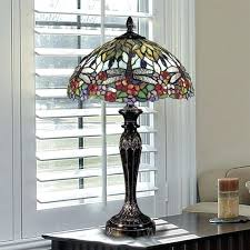 quoizel tiffany floor lamp medium size of chandeliers wisteria table lamp floor lamps for quoizel asheville