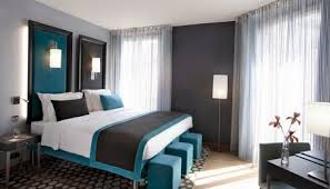 Im schlafzimmer beispielsweise ein leichtes, helles grau als grundfarbe und ein helles blau als. Schlafzimmer Grau Ein Modernes Schlafzimmer Interior In Grau Freshouse