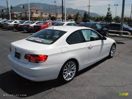 BMW 3 series 328i 2009 | Auto images and Specification