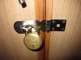 How To Unlock A Deadbolt With Key Open Locked Door Without The ...
