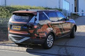 land rover discovery sport 2018. brilliant discovery 2018 land rover discovery rear three quarter view photo gallery  9 photos to land rover discovery sport