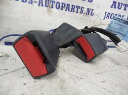 rear seatbelt buckle right from a kia rio 2016