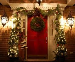outdoor-christmas-decoration-front-porch-christmas-wreath-ideas