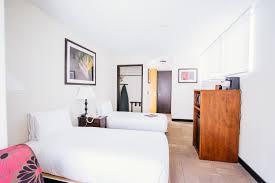 Bedroom For Two Twin Beds Rooms Amenities Stay Hotel Waikiki Oahu Hawaii