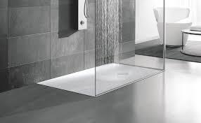 Bagno con doccia aperta: cambiare vasca da bagno con doccia