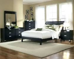 how to arrange a small bedroom with a queen bed how to arrange a small bedroom