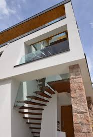 stairs for residential buildings, just fly away:-) modern-exterior