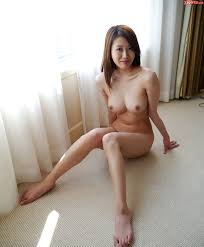 Ririka Suzuki Photo Gallery 5 Pics 8.