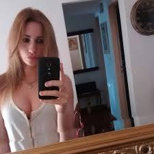 Las sensuales fotos de la promotora del escandaloso video con los.