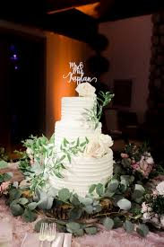 Cakes Desserts Photos Cake With Roses And Greenery Inside Weddings