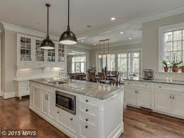 Kitchen Molding Traditional Kitchen With L Shaped Crown Molding In Chevy Chase