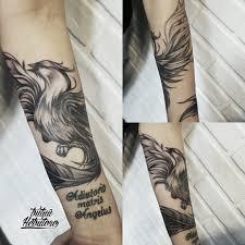 тату черно белая феникс на предплечье тату феникс на руке чб