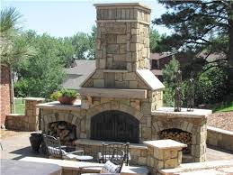 outdoor stone fireplace. 20 Beautiful Outdoor Stone Fireplace Designs T