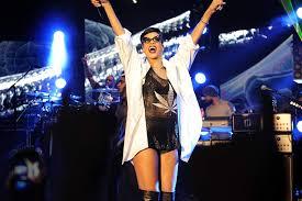 Rihanna - 777 Tour: 7 countries 7 days ...