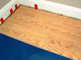 Floating Floor For Kitchen How To Install A Laminate Floating Floor How Tos Diy