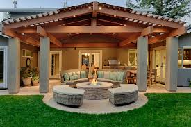 traditional patio design with fire pit