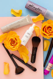 i have discovered a few holy grail beauty s and incredible tips on how to make sure you makeup stays glowing and in place on a hot and sunny day