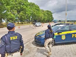 """PRF reforça campanha de conscientização no trânsito em Pernambuco durante o  """"Maio Amarelo"""""""