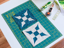 How to Square Up Quilt Blocks & Borders & Square Quilt Blocks on Cutting Mat Adamdwight.com