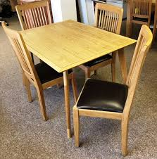 OAK DINING SET WITH TABLE   CHAIRS PRICE NOW REDUCED In East - Dining room furniture glasgow