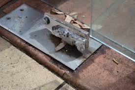 gate doc floor spring oil leak